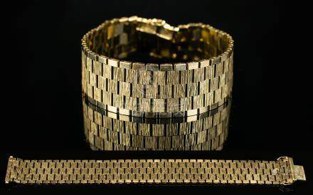 Retro - 9ct Gold Panther Design Bracelet of Good Quality and Condition. Fully Hallmarked for 9ct -
