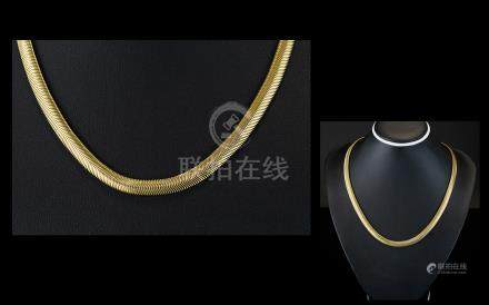 Superb Quality 9ct Gold Herringbone Design Collar / Necklace of Solid Construction, with Good