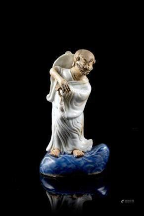 清 乾隆 青釉陶瓷羅漢立像