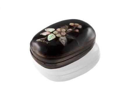 宋 十三/十四世紀 珍珠母飾描金黑漆小橢圓盒