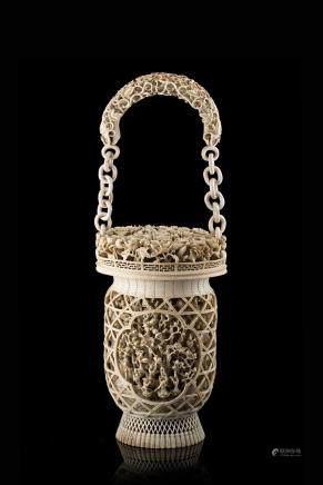 中國 十九世紀 象牙鏤雕花卉紋花籃