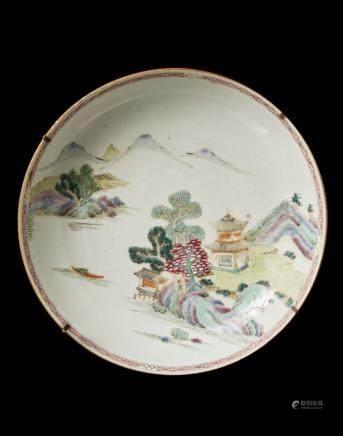 中國 十八世紀 粉彩山水圖盤