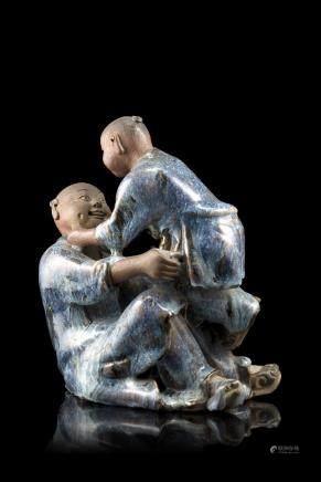 清 乾隆 雪花藍釉合和二仙雕像