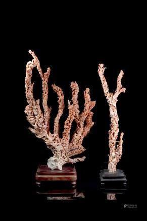 中國 二十世紀初 粉珊瑚雕仕女童子鳳凰羣像 兩件