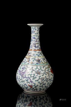 中國 二十世紀初 鬥彩鳳凰花卉紋玉壺春瓶