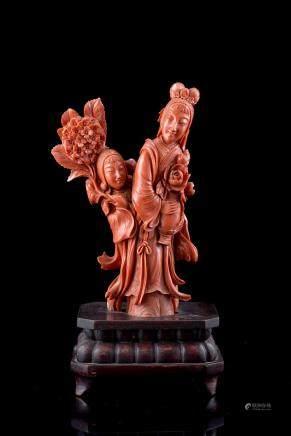 中國 二十世紀初 珊瑚雕持花仕女像