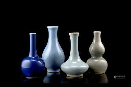 中國 十九世紀 藍瓷瓶 四件