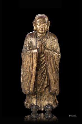 明 金漆木雕僧人立像