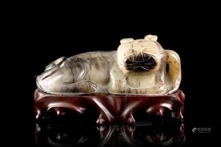 中國 十九世紀 青灰玉臥貓雕像