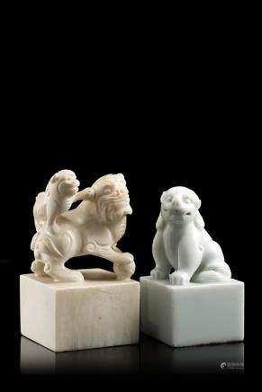 中國 二十世紀 瑞獅瓷印章及瑞獅石印章