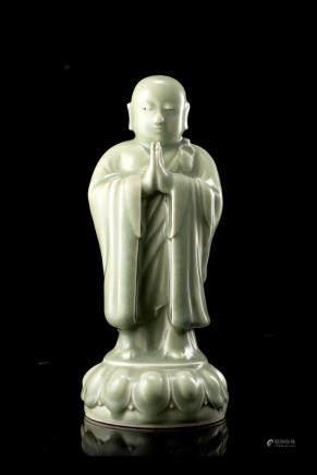 中國 二十世紀 青釉陶瓷和尚雕像 《江伯祥造》底款