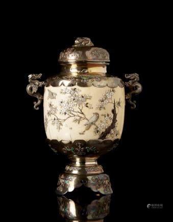 日本 明治時期 芝山象牙銀花鳥紋瓶