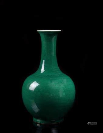 中國 二十世紀 雍正仿款 綠釉賞瓶