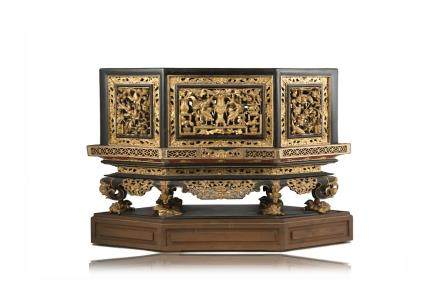 中國 十九世紀 黑漆花卉紋木家具