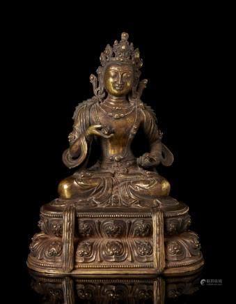 中國 十九世紀 鎏金銅雕觀音坐蓮像