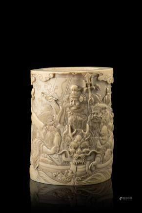 日本 二十世紀初 象牙雕人物圖筆筒