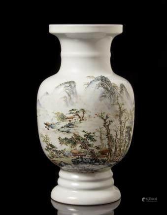 中國 二十世紀 彩繪山水圖瓶 落款
