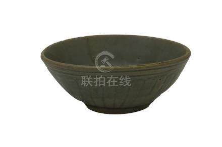 A YUAN/ MING DYNASTY SOUTHERN CHINA CÉLADON-GLAZED 'LOTUS' BOWL<br>14th century<br><br><br><br><br>