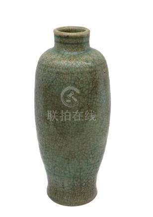 A LATE MING DYNASTY LONGQUAN CÉLADON-GLAZED BALUSTER VASE, MEIPING<br><br>