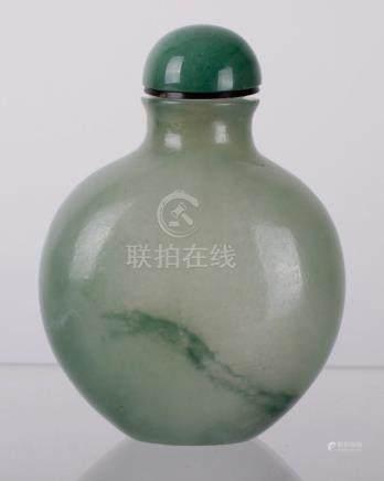 18TH C. CHINESE JADEITE SNUFF BOTTLE