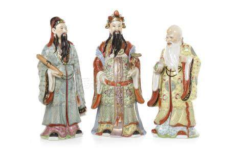 EARLY 20TH CENTURY CHINESE FAMILLE ROSE