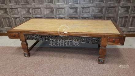 19TH CENTURY CHINESE HARDWOOD BED