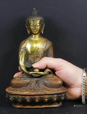 Tibet Bronze shakyamuni Buddha statue 1970 circa.
