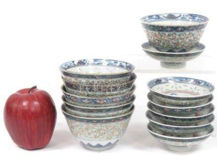 SET (6) CHINESE DECORATED PORCELAIN COVERED BOWLS IN RICE GR