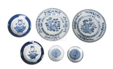 Six Chinese export porcelain plates, 17th-18th century, each painted in underglaze blue with
