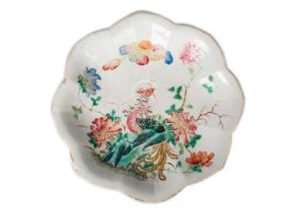 A Chinese porcelain leaf-shaped footed dish, mid 19th century, painted in famille rose enamels