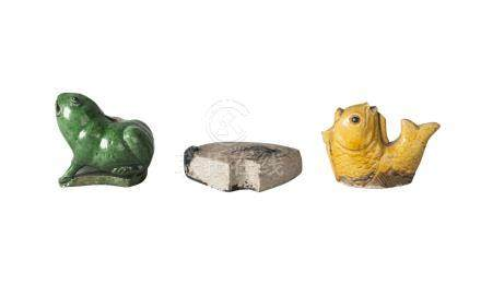 Three Chinese porcelain water droppers, Qing dynasty, 18th-19th century, one glazed green and