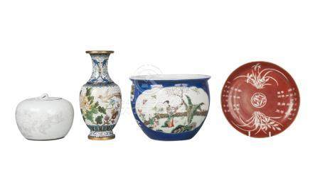 A Chinese porcelain jardiniere, 19th century, painted in famille verte enamels with panels of