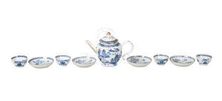 A Chinese export porcelain teapot and four tea bowls and saucers, late 18th century, the teapot
