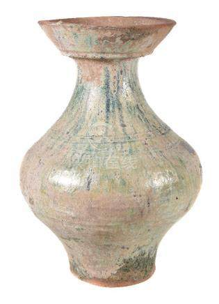 A Chinese green glazed pottery vase