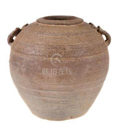 A Chinese proto-porcelain pottery jar