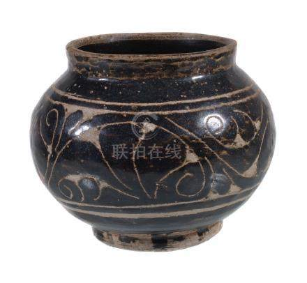 A small Chinese 'Cizhou' sgraffiato 'floral' jar