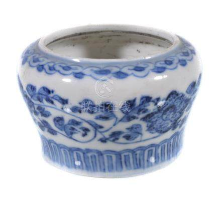 A small Chinese blue and white 'scholar's desk' water cup, Qing Dynasty, painted ...