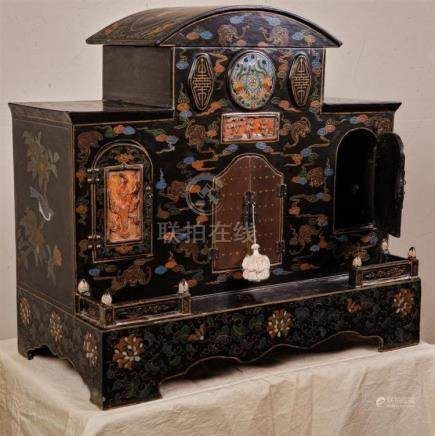 CHINESE LACQUER HOUSEHOLD SHRINE - Black lacquer structure h