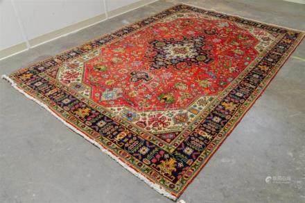 CARPET: HAND-KNOTTED PERSIAN SERAPI - Wool on a cotton warp