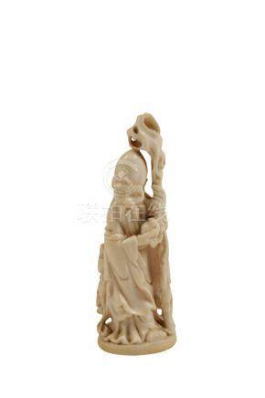 CARVED IVORY DOCTORS DOLL, QING DYNASTY, 18TH CENTURY