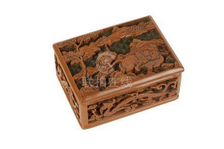 SMALL LACQUER BOX, MING DYNASTY, 16TH / 17TH CENTURY