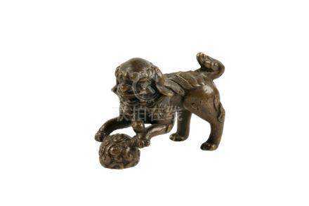 SMALL BRONZE FU LION, MING DYNASTY 17TH CENTURY