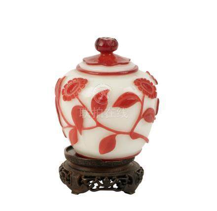 SMALL PEKING GLASS COVERED JAR, QING DYNASTY, LATE 19TH CENTURY