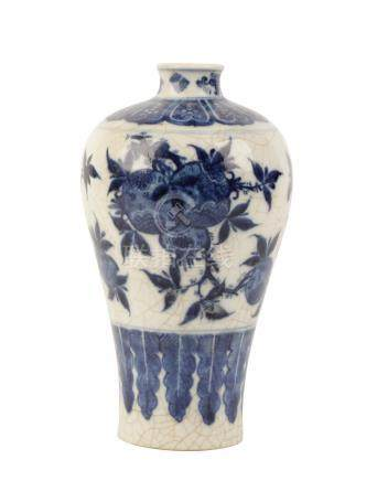 BLUE AND WHITE CRACKLE-GLAZE 'POMEGRANATE' MEIPING VASE, QING DYNASTY