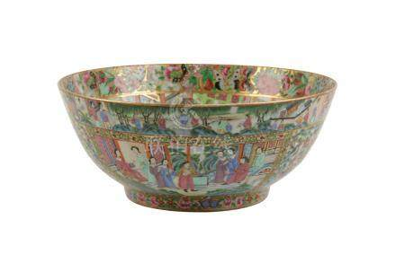 CANTON FAMILLE ROSE BOWL, LATE QING DYNASTY