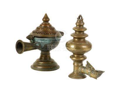 BRONZE OIL LAMP, SRI LANKA 18TH / 19TH CENTURY
