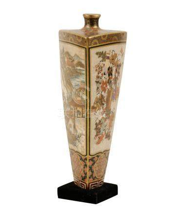 UNUSUAL SATSUMA TRIFORM VASE, MEIJI PERIOD (1868-1912)
