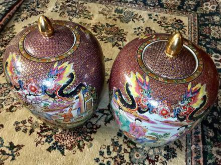 A PAIR OF CANTON ENAMEL MANCHU PEOPLE DESIGN COVERED JAR