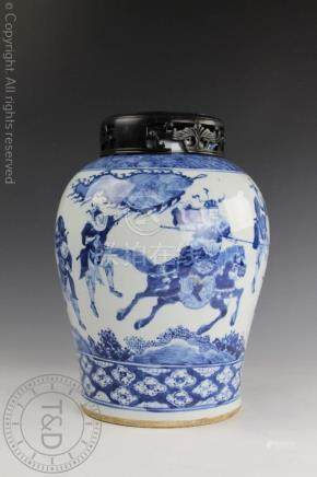 A Chinese porcelain blue and white vase, 19th century,