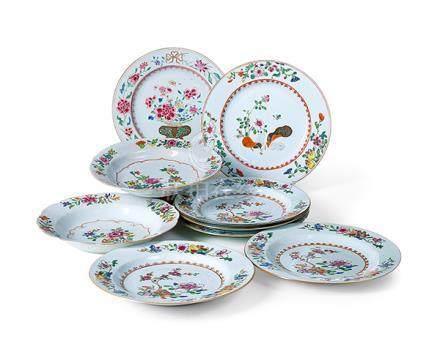Zwei Suppenteller und sieben flache Teller, China, Compagnie
